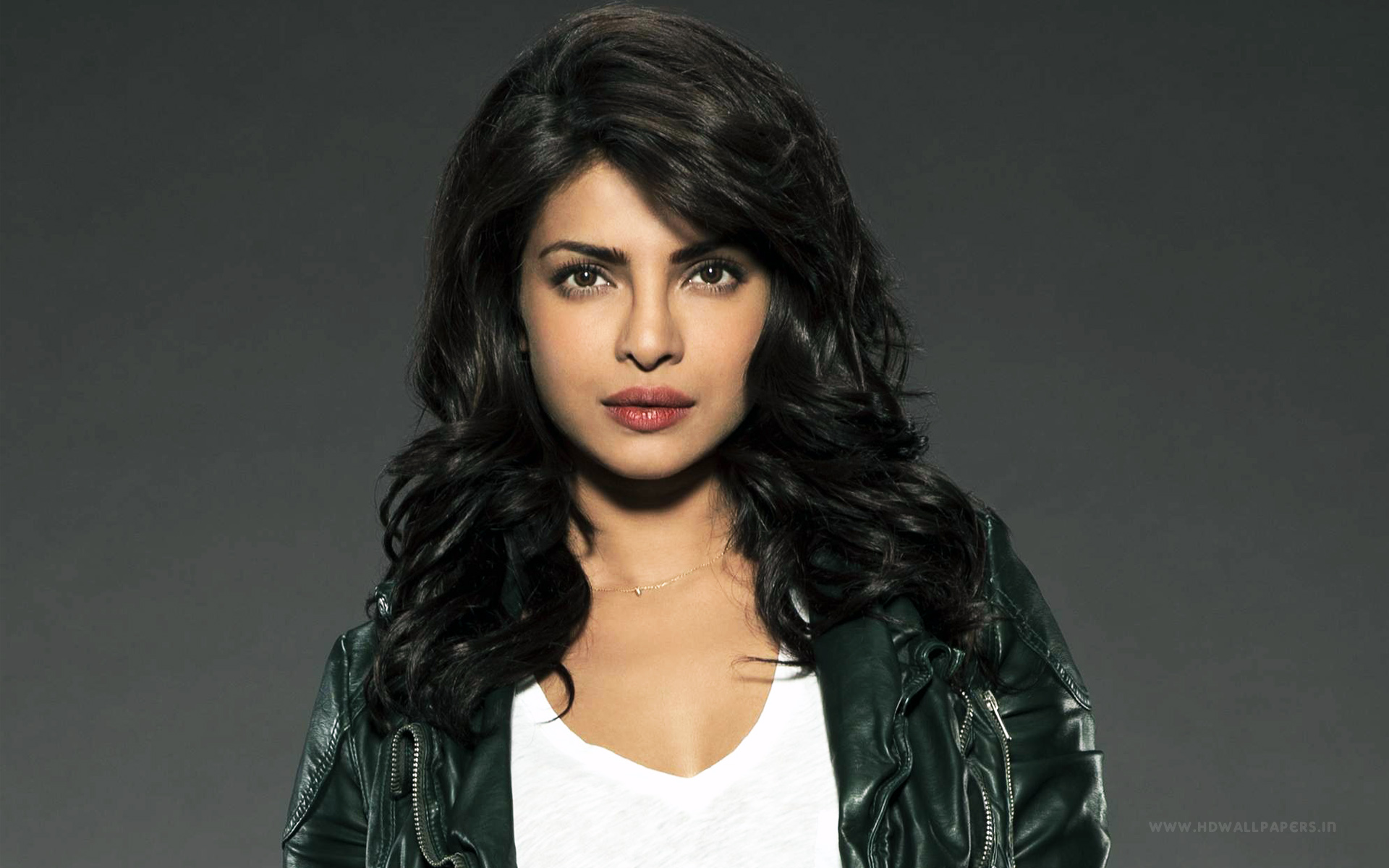 priyanka chopra new hd wallpapers