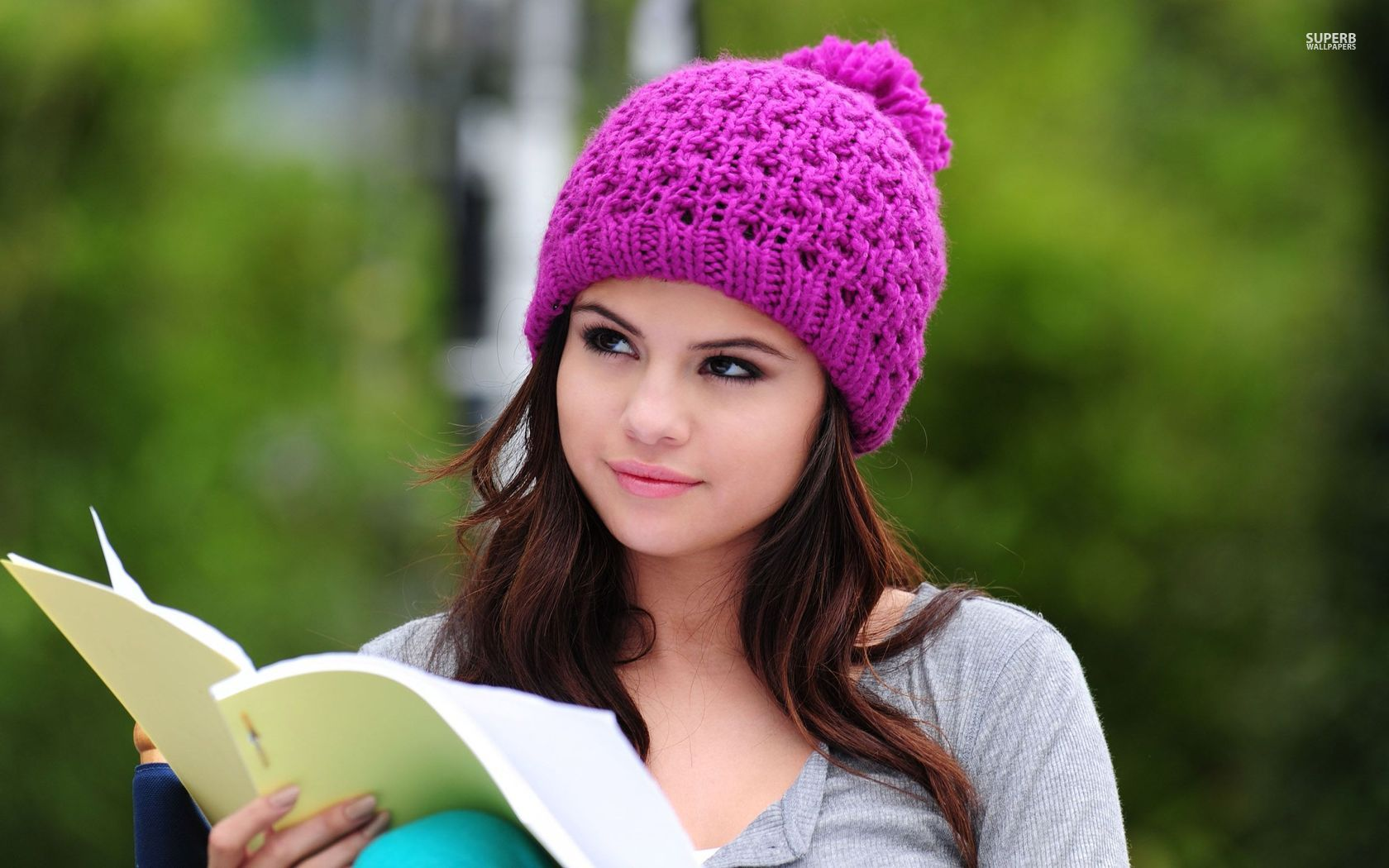 Selena Gomez Shoots A Print Campaign For her Dream Out Loud Line