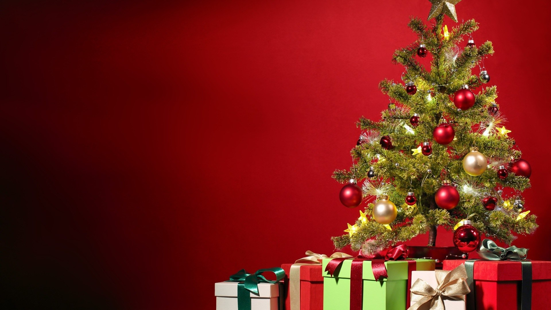 Merry Christmas tree free download wallpapers