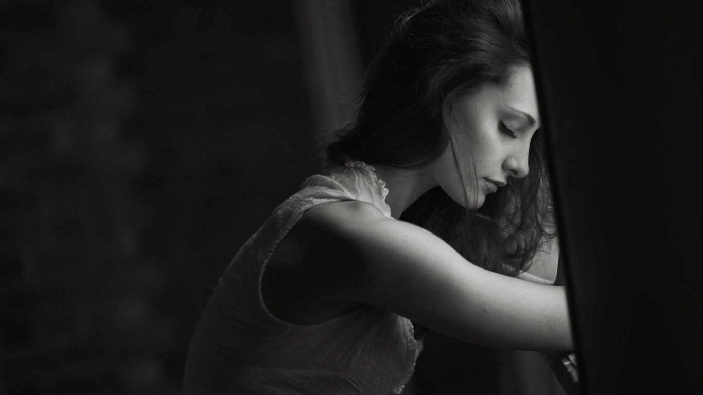 Lonely alone sad girl crying image hd picture hd - Sad girl pictures crying ...