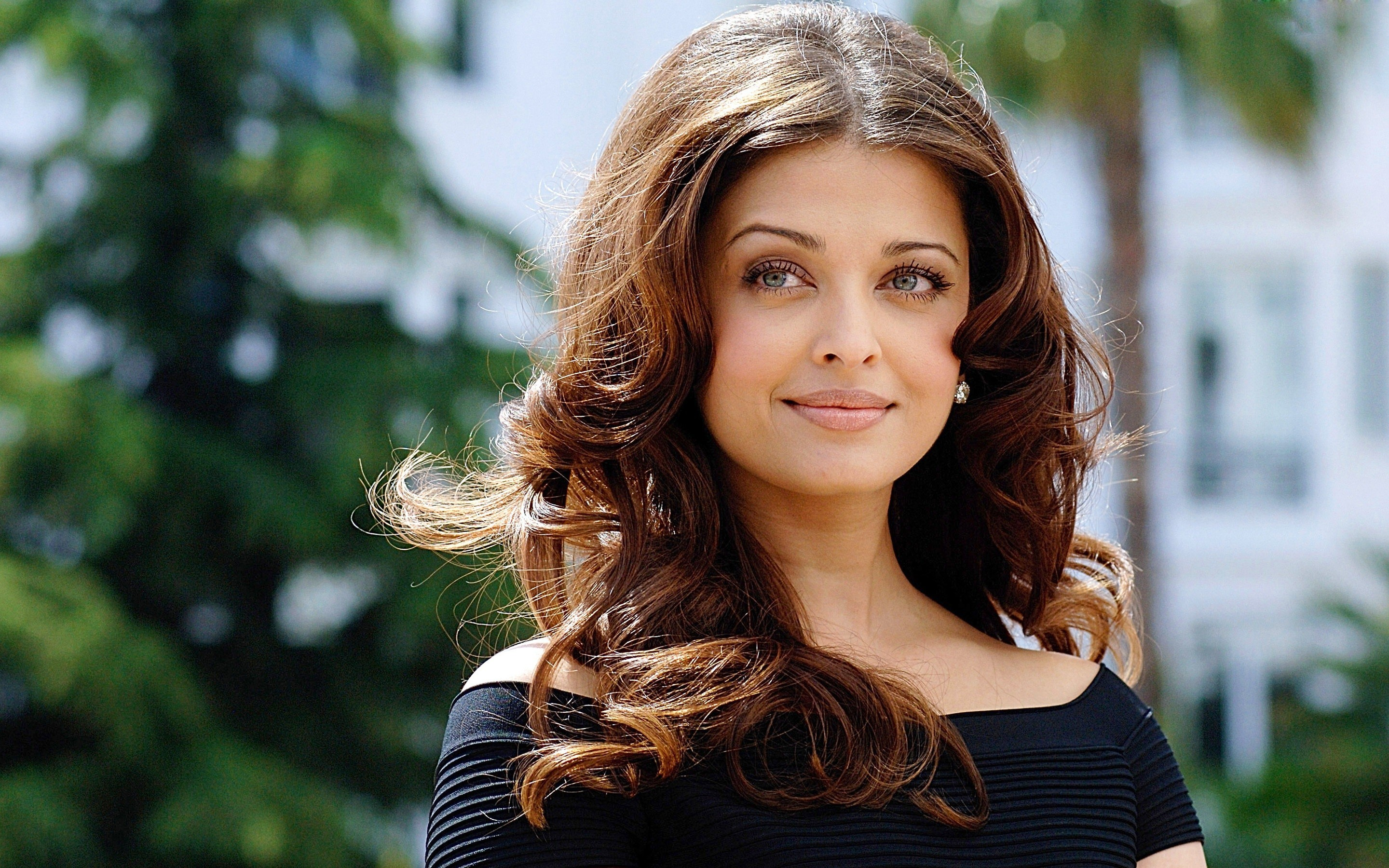 Aishwarya Rai Recent New HD pics